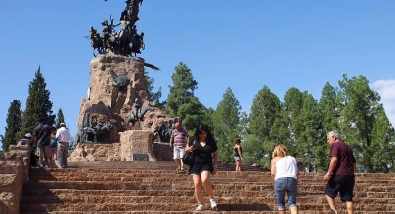 Recorrida movimiento turístico de Mendoza